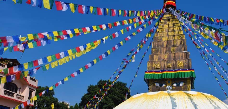 meditacion mindfulness estupa budista nepal